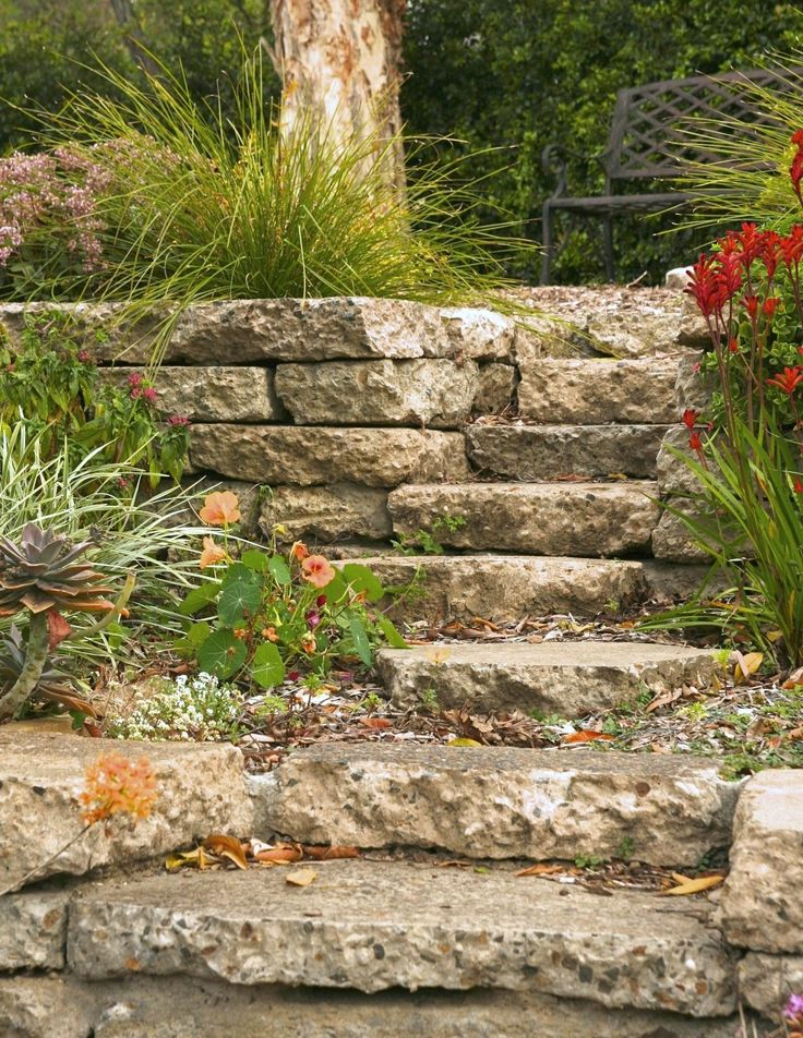 How to build a reused concrete wall - Reused concrete step detail