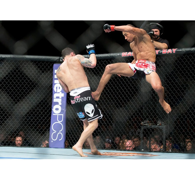 In a classic fight, Jose Aldo (right) and Frankie Edgar showed why they are the best featherweights in MMA.