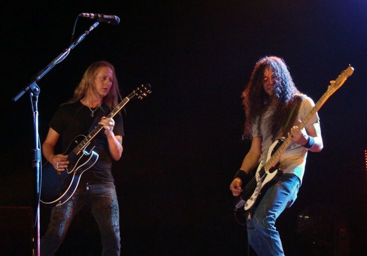 Jerry Cantrell & Mike Inez