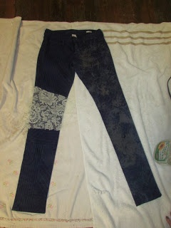 DIY Bleaching Jeans using lace