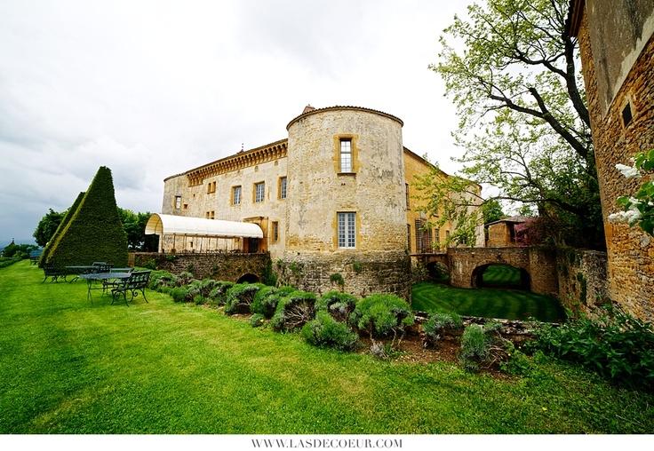 Château de Bagnols ©Lasdecoeur  Photos de domaines et châteaux pour mariage Rhône, Loire, Bourgogne, Ardèche, Ain | Wedding & Portrait Photographer Lyon France | Burgundy, Morocco, Noumea | Tel: +33 (0)9 51 82 92 05