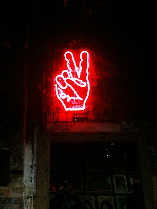 PEACE ! quero/estou