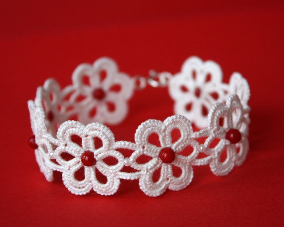 Tatted lace bracelet -was for sale but cannot be found now-but the picture gives me some great ideas!