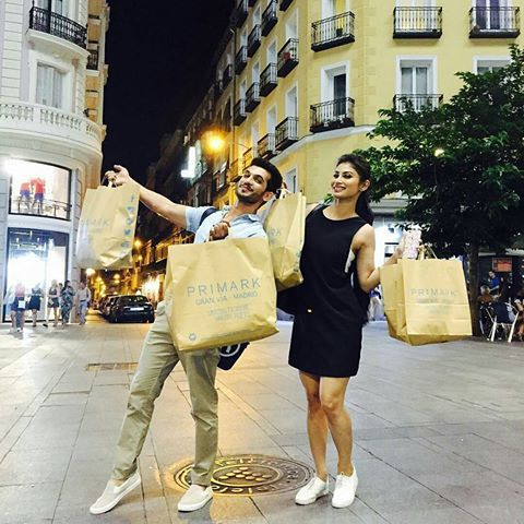 When u just woke .. And aaw this pic .. .. Omg ... He is always full of masti .. Tota .. Look cute together #bffs #frndship #love #Repost @arjunbijlani with @repostapp ・・・ Partner in crime ..#shopping #madrid #spain#iifa2016 #craziness#friends#naagin @imouniroy