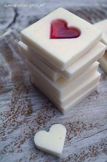 Kokosowe mleczka z malinowym sercem