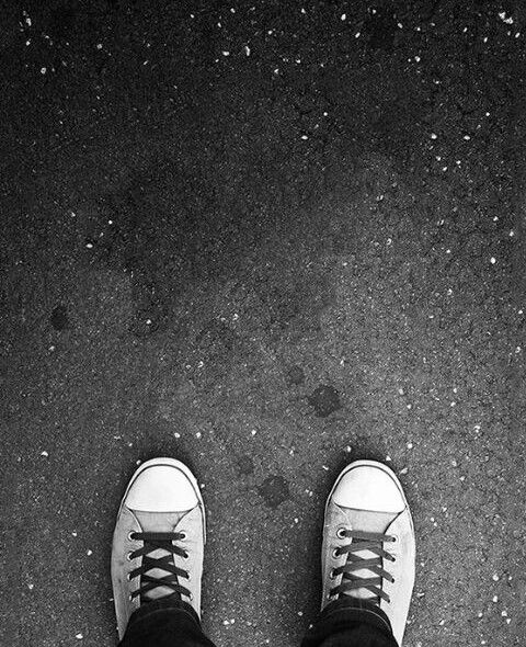 Black and white wallpaper👟