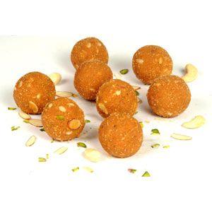 Besan Ladoo (Indian Sweet)  #indiansweets #SukhadiaSweetsandSnacks #Chicago #IL