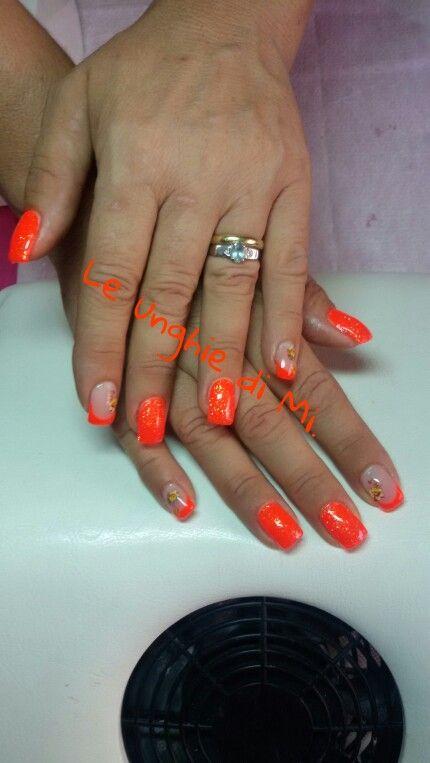 Corallo fluo e brillantini :D