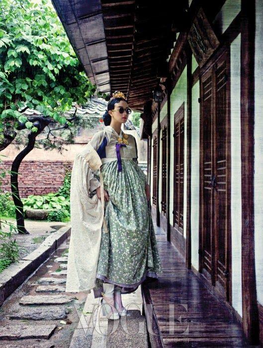 서울 十景, Vogue Korea August 2013 Korean traditional dress Hanbok 한복