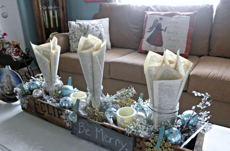 weihnachtsdekoration ideen couchtisch herzstueck blumenkasten papier blau silber