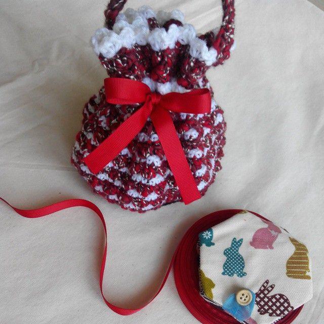 Still love the puffy of drawstring crochet bag ^^