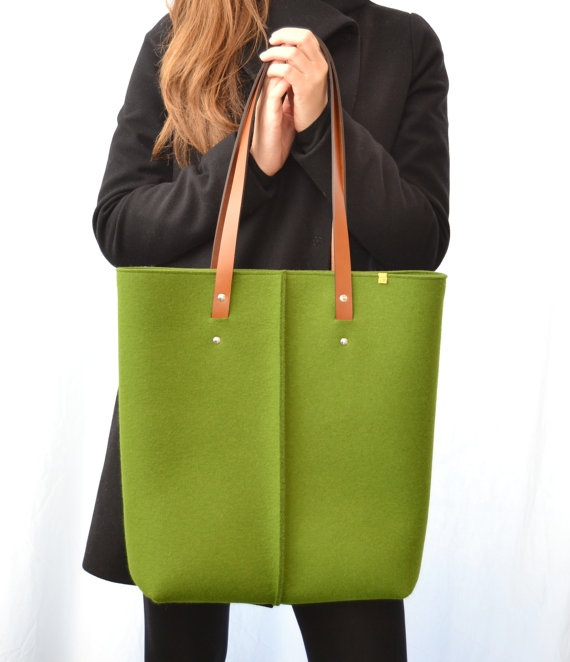 wool felt tote bag with leather handles - green