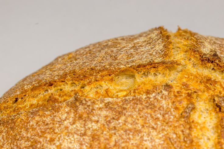 Σπιτικό Κρίθινο ψωμί στη γάστρα.