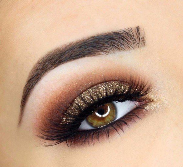 Golds and browns for the perfect smokey eye.