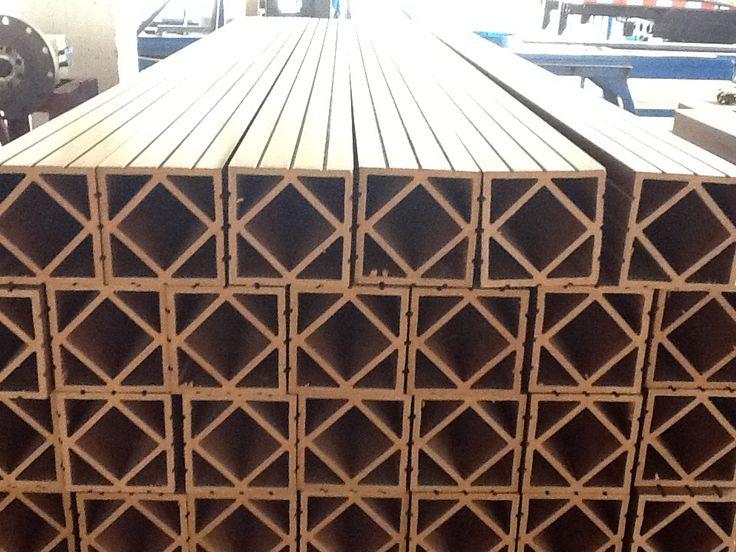 Extrusora WPC madera plastica - wood plastic composite empresa Colombiana en Cali Valle del Cauca. Unicos fabricantes en Colombia y expertos en el material.