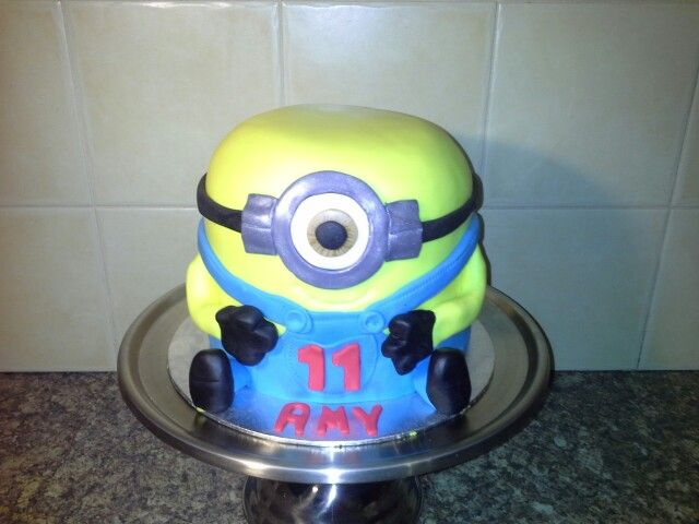 Minion cake for Amy