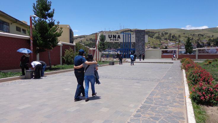 Frontis de la Universidad Nacional del Altiplano año 2014, UNA Puno la primera casa de estudios superiores de la región...!!!