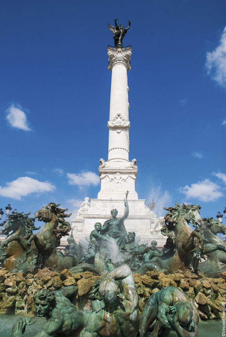 Lo que no debes perderte en Burdeos / Saludar a la estatua del Genio de la…