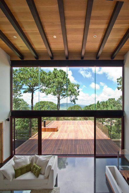 EMA, Espacio Multicultural Arquitectura, designed the Forest House located in Mazamitla, Mexico