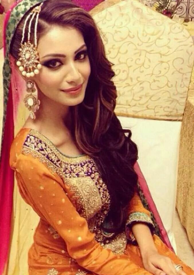 #lehenga #choli #indian #shaadi #bridal #fashion #style #desi #designer #blouse #wedding #gorgeous #beautiful #desi #dress #beautiful #colour #wedding #mehndi #magni #mayoon #shaadi #partywear #bride #dulhan #dulha #amazing #love #couple #jodi