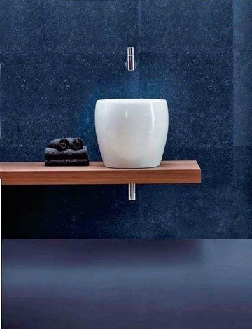 2. Une salle de bains balnéaire qui joue la carte de la beauté pure : la vasque