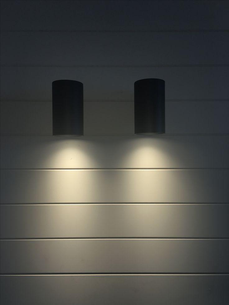 Flaminia single LED wall light, internal/exterior