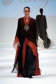Abaya de luxe rouge et noire http://www.photohijab.com/abaya/abaya-luxe-rouge-noire