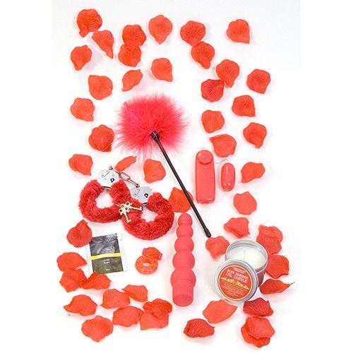 Il kit romantico Red Romance Gift Set ti fara' innamorare del sesso. Il kit infatti contiene: una candela con oli per massaggi, un ovetto vibrante con comando multispeed, un vibratore anale multispeed e waterproof, un anello fallico, una benda rossa, un lubrificante, un frustino e delle manette rosse! Tutti i materiali sono privi di ftalati.Dimensioni ovettoLunghezza 4,5 cmDiametro 2,5 cmProduttore: TOY JOY;Materiale: VARI;Vibrazione: SI;Diametro: 3 CMLunghezza: 19 CM;Batterie: 3 X AA NON…