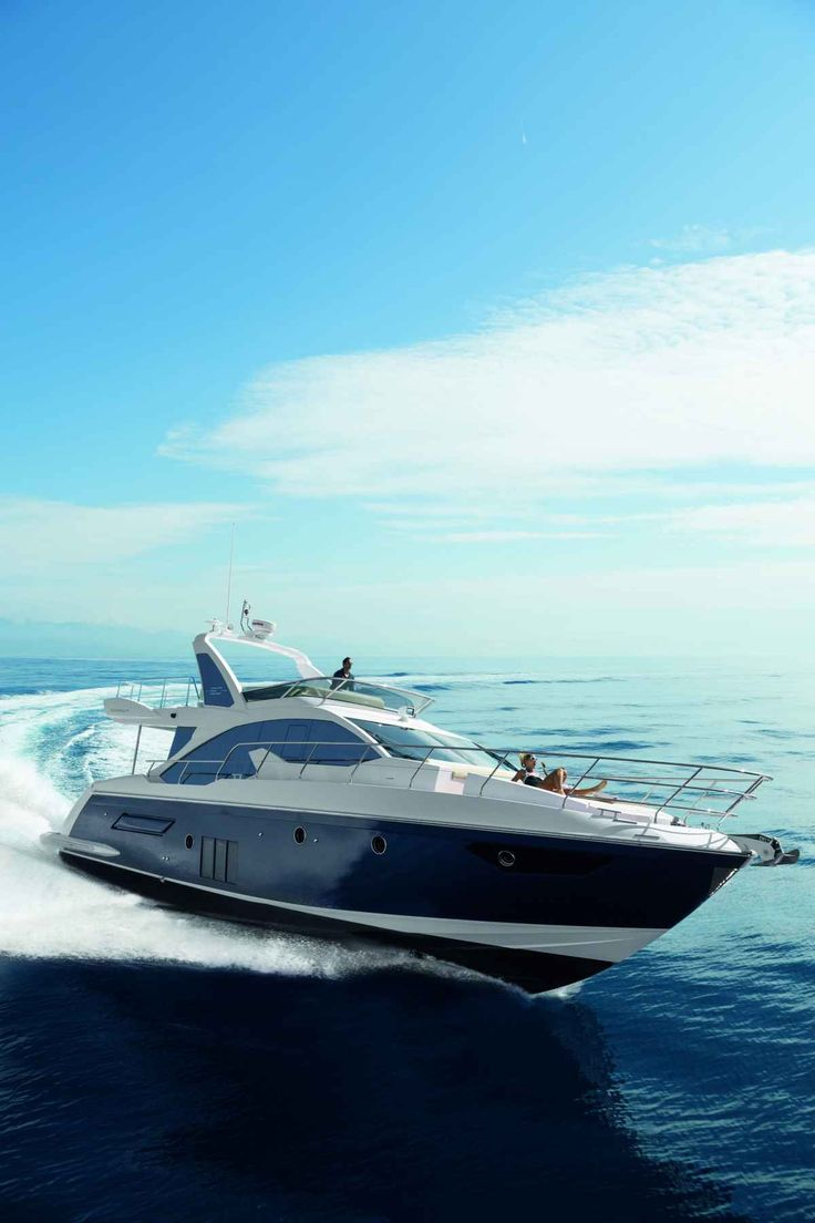Azimut's 50 Fly is a modern yacht with a salty soul.