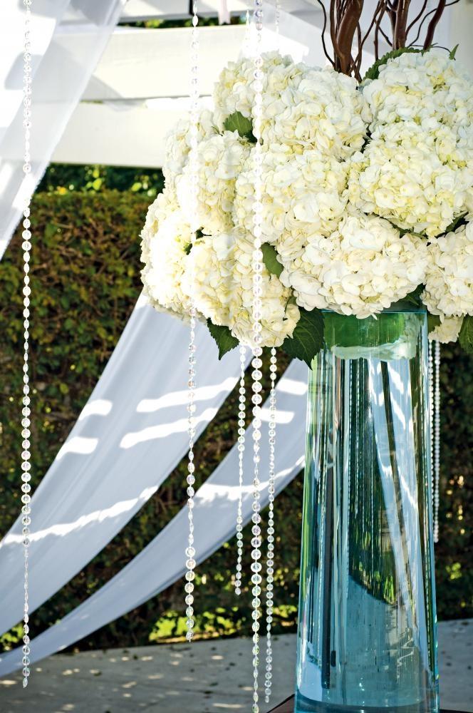 Elegant  floral decor. (@Lauren Davison Davison Thomas)