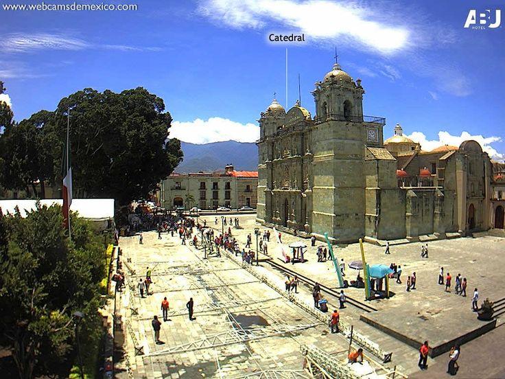 Catedral de Oaxaca▶ http://WebCamsDeMexico.com/webcam-oaxaca-catedral.html     TimeLapse Dia Completo▶ http://WebCamsDeMexico.com/webcamtimelapse.php?a=f&c=83