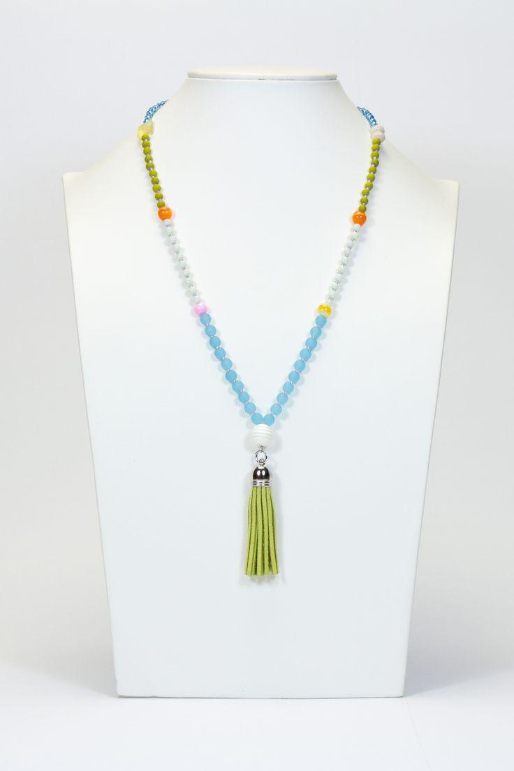 Collier pompon aux couleurs printanières #gadorre #jewelry