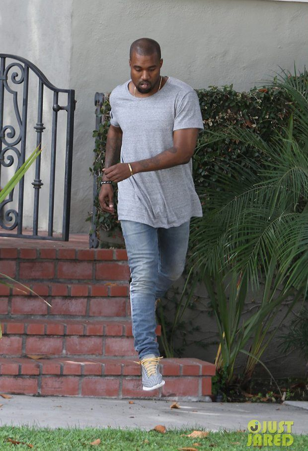 Pin By Larry Johnson On Things To Wear Celebrity Sneakers Kanye Kanye Fashion