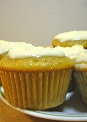 Not a huge beer fan, but these Loaded Corona Cupcakes sound kind of awesome.