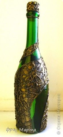 Понравилось мне декорировать бутылки с помощью термоклея))... Вот еще несколько новых бутылочек! С разных сторон все разные. фото 8