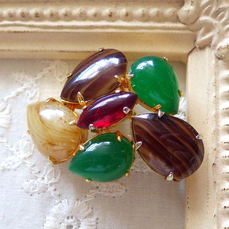翡翠と3色ガラスのヴィンテージブローチ Cristian Dior(クリスチャンディオール)