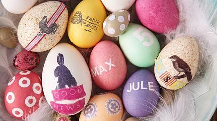 Eier lassen sich zu Ostern färben, bemalen, verzieren, schön dekorieren und am Ende natürlich essen. Wissenswertes rund ums Osterei und schöne Ideen zum...