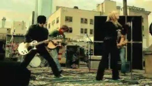 Vizionează filmul «Hilary Duff - Why Not» încărcat de Herbst Stefan pe Dailymotion.