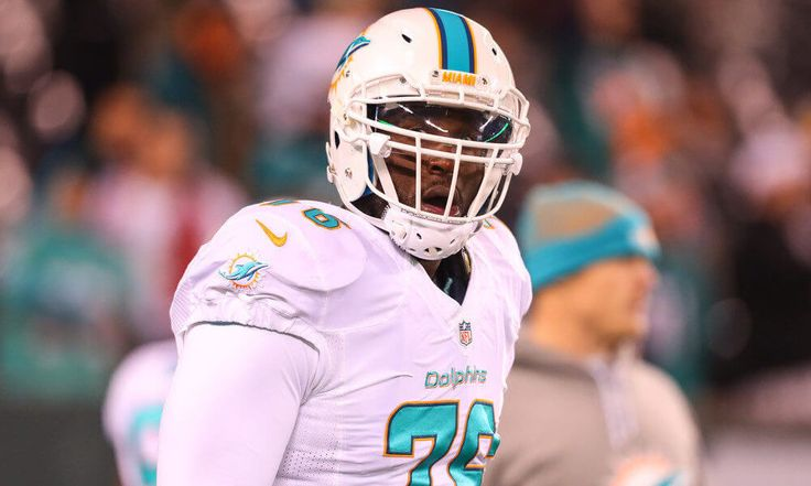 Report | Branden Albert begins holdout by skipping Jaguars first team meeting = According to a Monday morning report from Ian Rapoport of NFL.com, it appears that the Jacksonville Jaguars are already off to quite the tumultuous start to their offseason. While new Jaguars' head coach Doug Marrone has officially held his first team meeting, left tackle Branden Albert was not present. The aforementioned Rapoport is reporting that Albert has…..