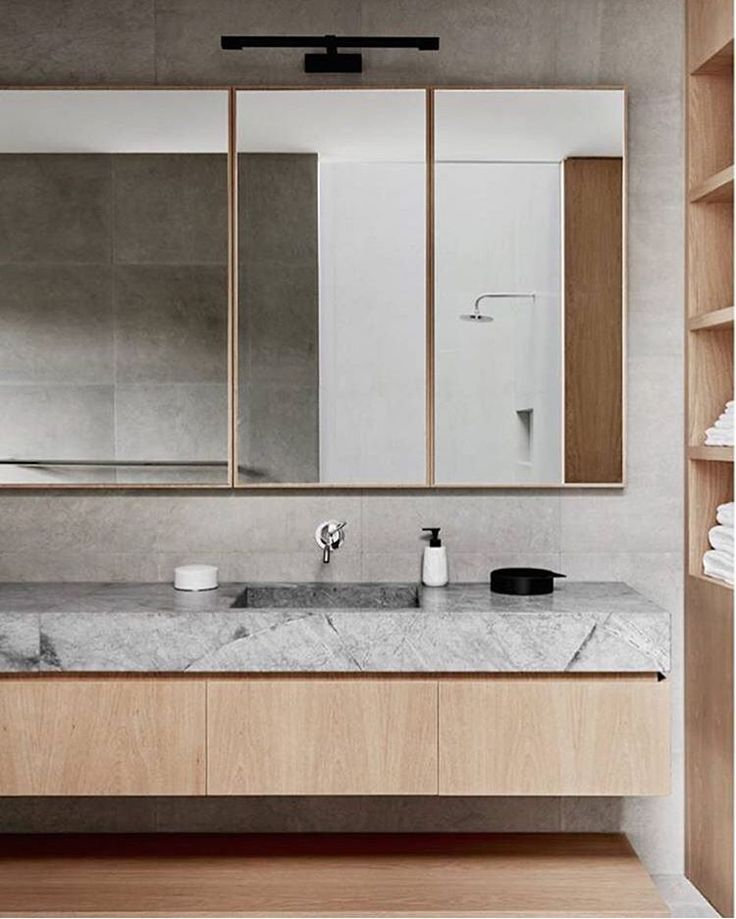 And I've found my dream bathroom... @robsonrakarchitects you continue to blow my mind with these beauties Toorak2 House