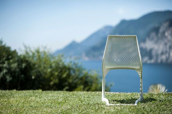 Sedia Mito per esterni ( Myto chair for outdoor ) http://www.idfdesign.com/outdoor-chairs/myto-mod-1207-20.htm [ #plankdesign #outdoor #designfurniture #designicons #idfdesign ]