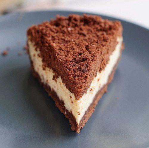 Торфяной пирог или Turbakook.  Очень интересный десерт получился - кремовая творожная начинка спрятана под шоколадными песочными крошками.