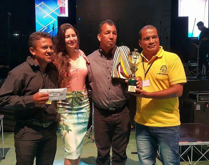 Premiación a Director de Banda Norosí de Bolivar como mejor Banda Juvenil en Festival del Porro, San Pelayo 2016