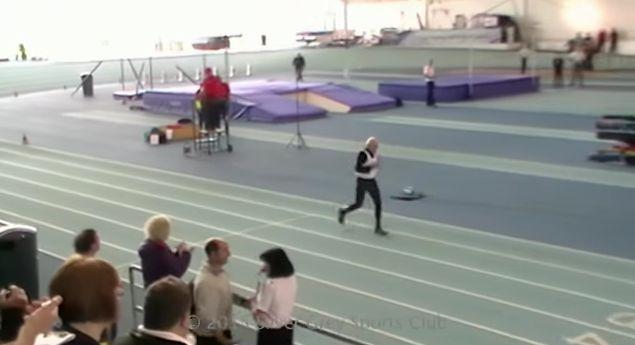 IMPRESIONANTE. Hombre de 95 años bate récord de 200m en pista de atletismo [VIDEO] - DeTodo Mucho Viral