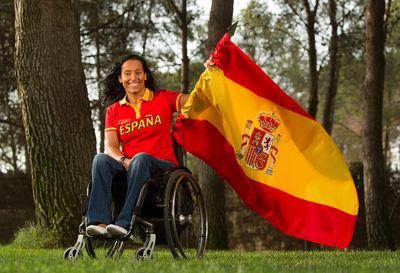 Teresa Perales, abandera de los #paralimpicos españoles en #Londres2012. Enhorbuena a la nadadora zaragozana!