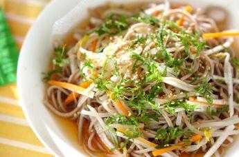 たっぷり野菜のそばサラダ【E・レシピ】料理のプロが作る簡単レシピ/2013.07.29公開のレシピです。
