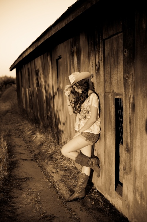 cowgirl portrait by Juliane Berry Photography