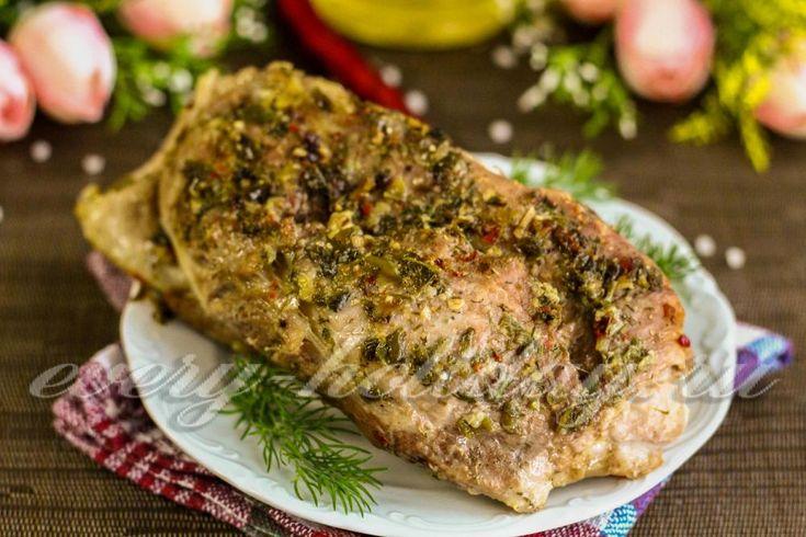 Свинина, запеченная в духовке в фольге: рецепт с фото