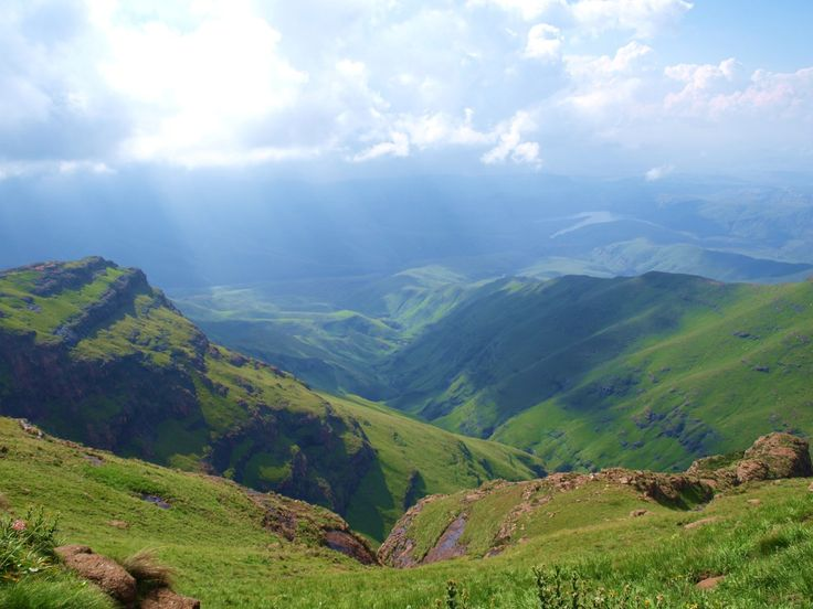 Drakensberg Mountains in South Africa (by Asrah Mohammed)