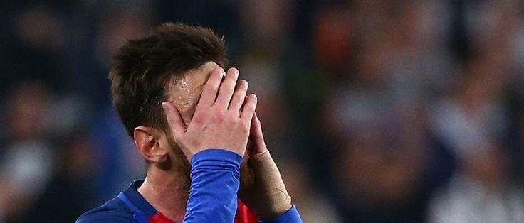 A Suprema Corte da Espanha condenou o argentino Lionel Messi a 21 meses de prisão. A decisão ocorre após a Justiça de Barcelona ter imposto a mesma sanção, o que fez com que o jogador entrasse com recurso na instância superior. Messi e seu pai, Jorge Horacio Messi, foram considerados culpados em...